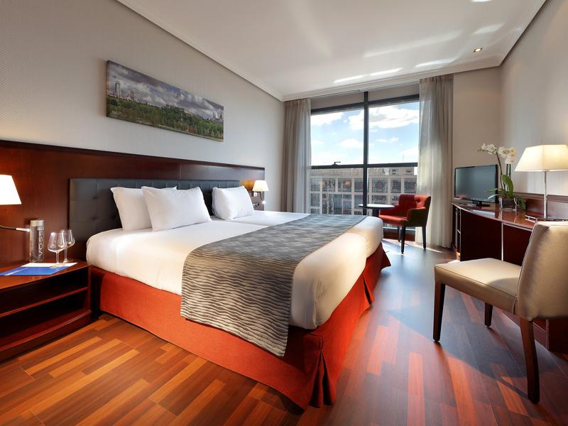 habitaciones del hotel via castellana