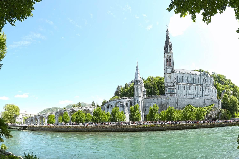Discover Lourdes