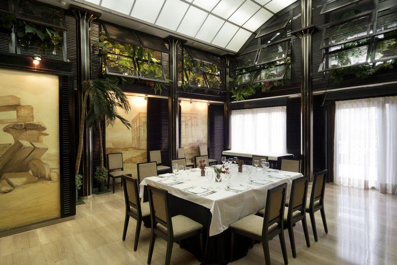 Hotel Vía Castellana - Gastronomie