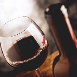 Besuch eines Weinkellers