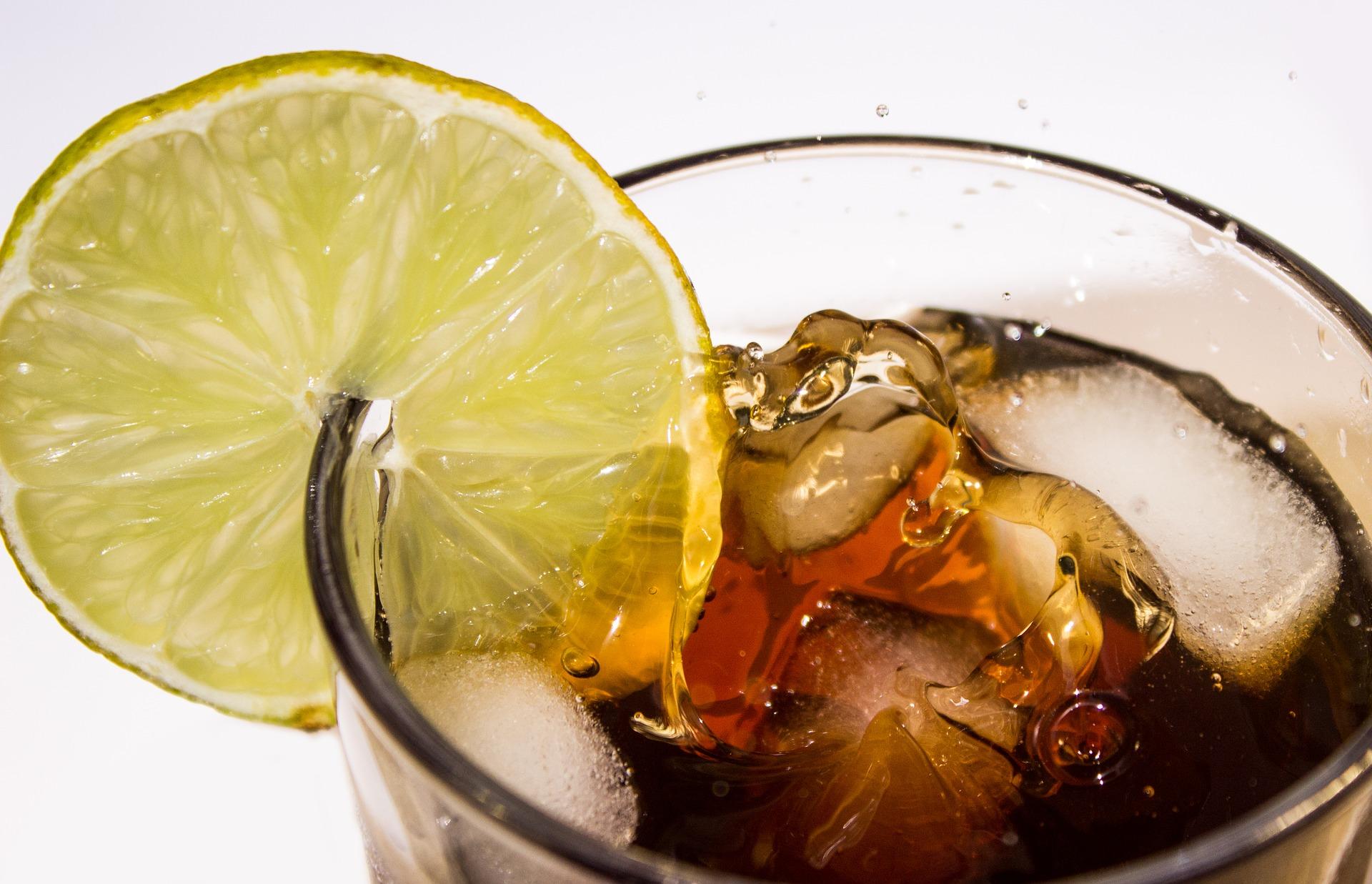 Minibar con bebidas incluidas