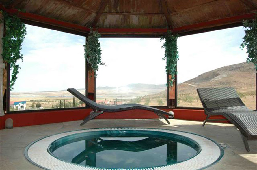 Two days with charm with access to the jacuzzi